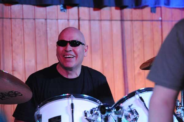 Nein, das ist nicht Bruce Willis, sondern Martin on the drums Foto: Ai-Lan Na-Schlütter